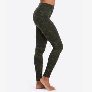 SPANX Look At Me Now Seamless Leggings Green Camo